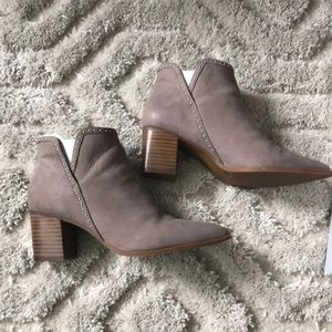 New with box Dalphine booties